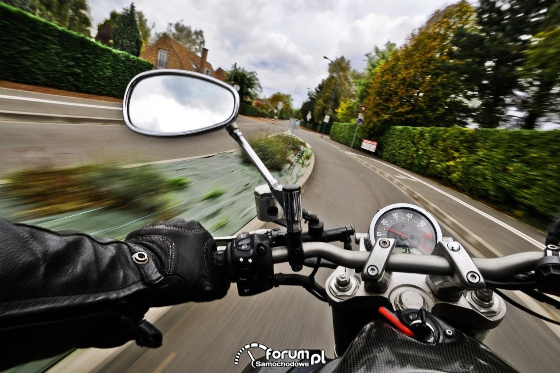 Kierowco, ustąp pierwszeństwa motocykliście