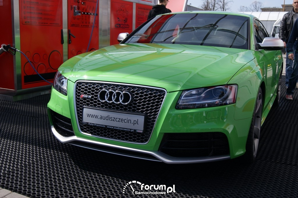 Audi RS5 z przodu