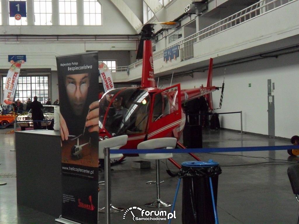 Helikopter w hali