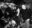 Yamaha, dziewczyna na motorze