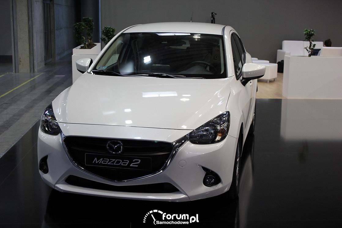 Mazda2, przód