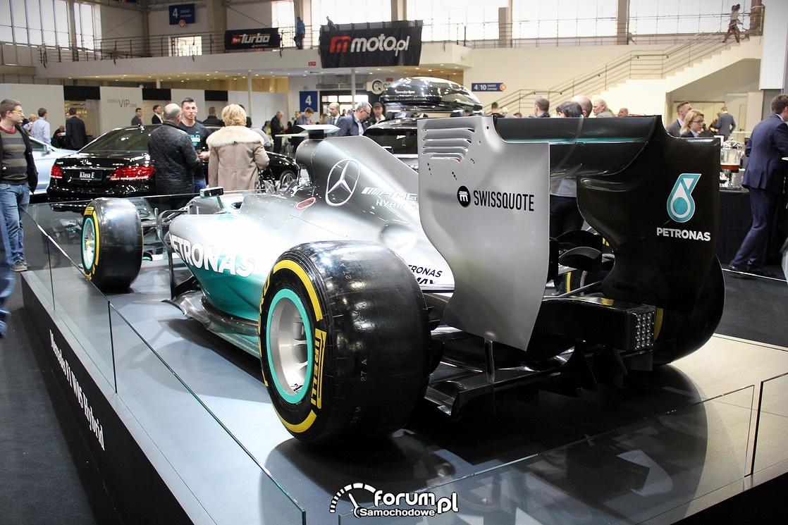 Mercedes F1W05 Hybrid, tył