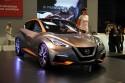 Nissan Sway, przód