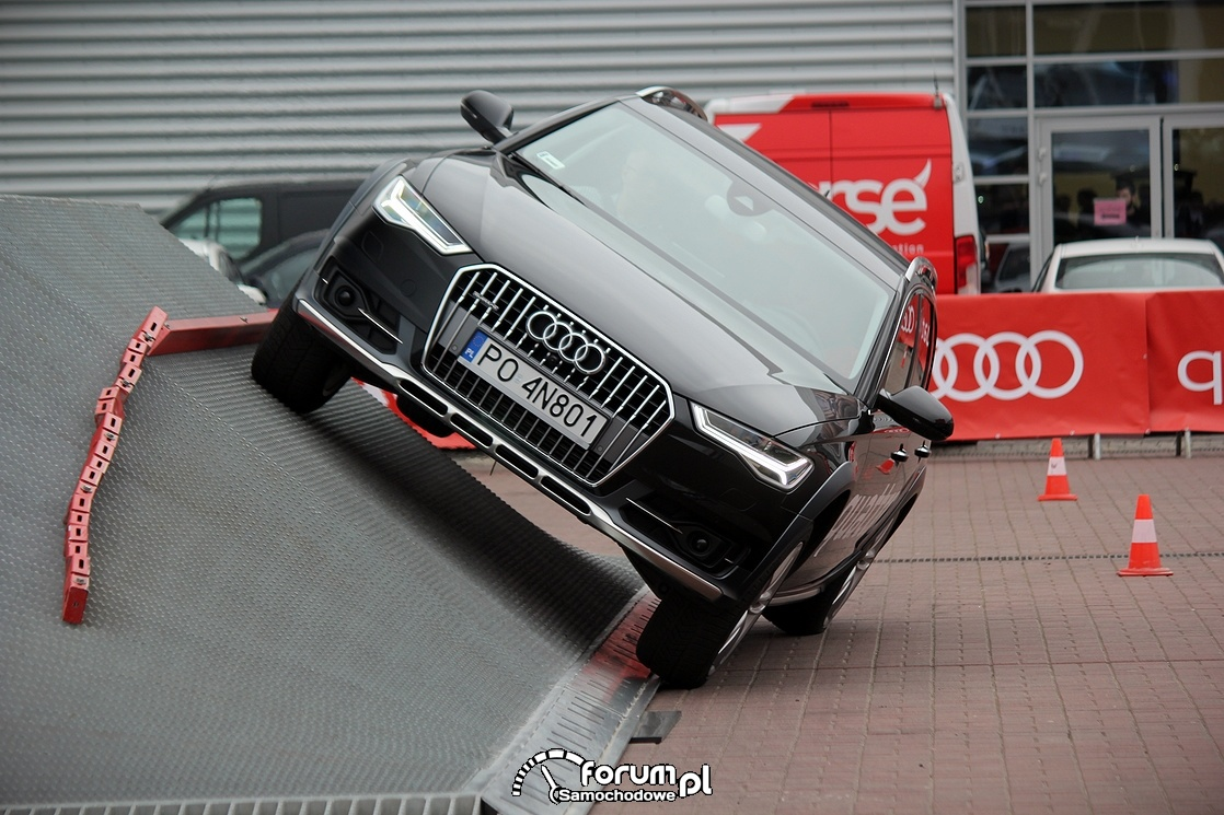 Rampa pochyła, Arena quattro, offroad parkur, Audi A6 Allroad, 2