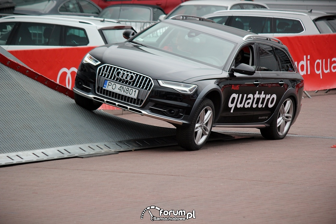 Wjazd na rampę pochyłą, Arena quattro, offroad parkur, Audi A6 Allroad