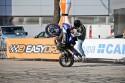 Stunt motocyklowy, jazda na stojaka