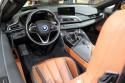 BMW i8 Roadster, deska rozdzielcza, wnętrze