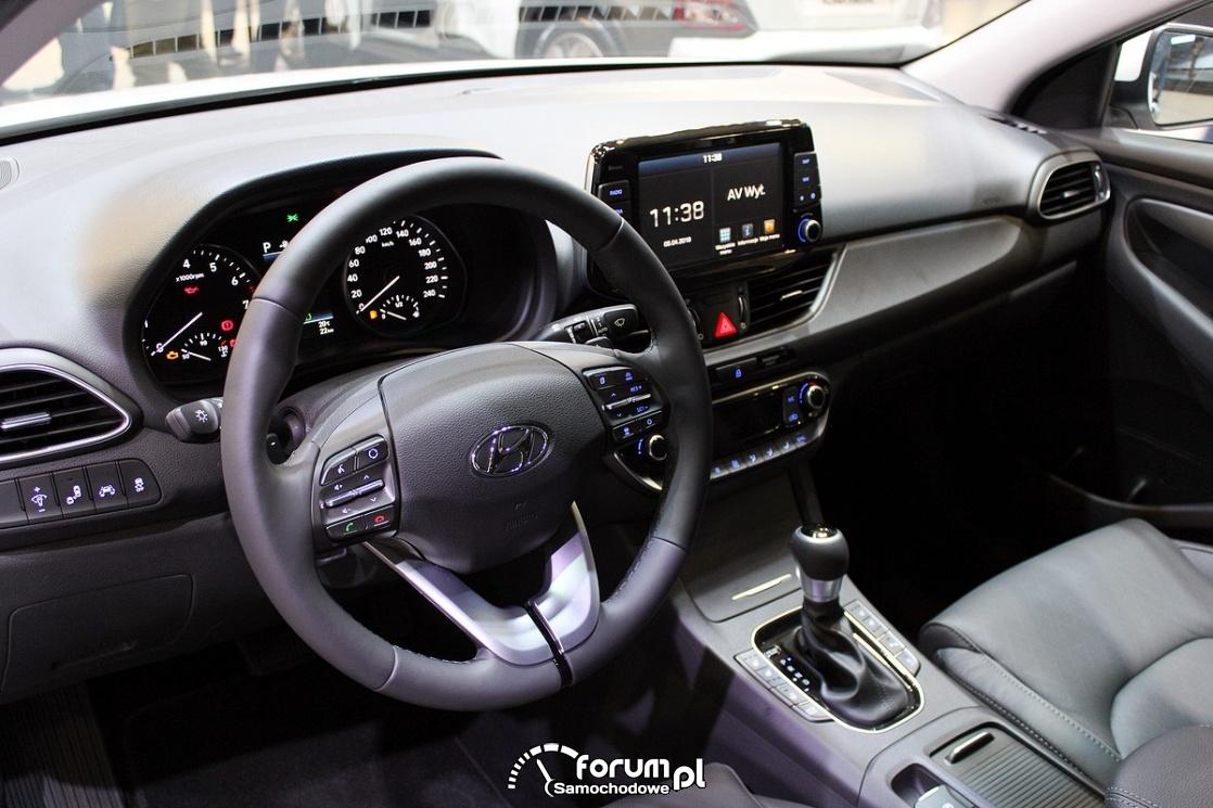 Hyundai i30 Fastback, deska rozdzielcza