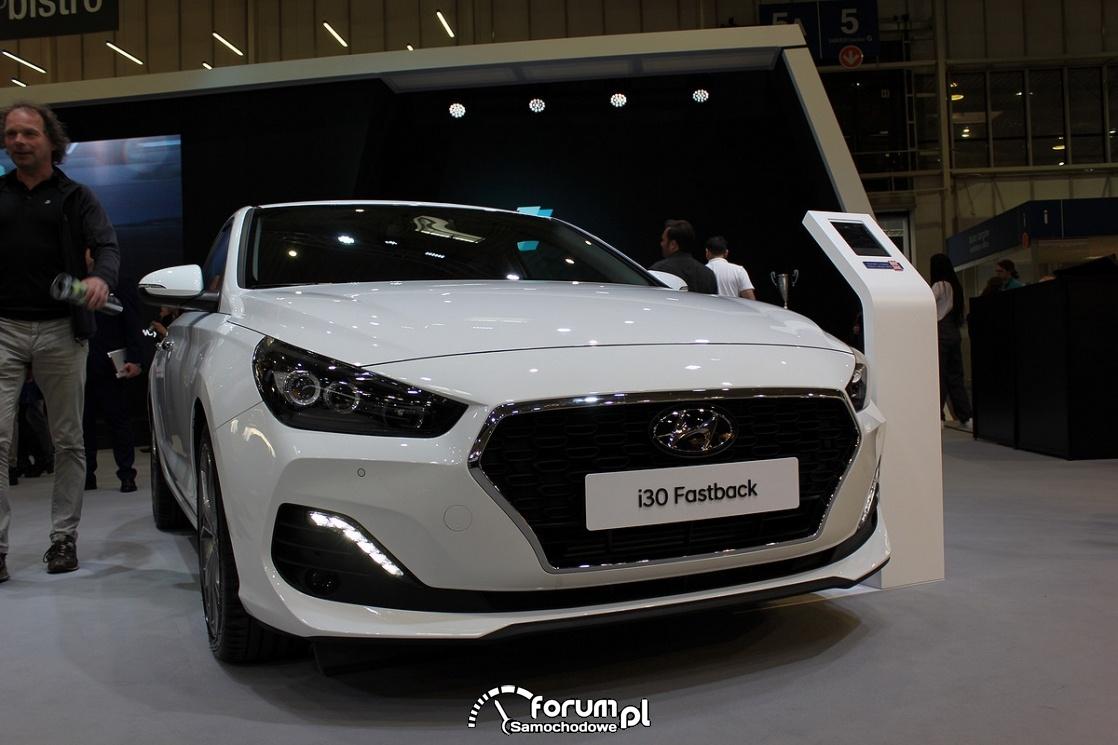 Hyundai i30 Fastback, przód