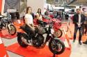 Motory Honda i  dziewczyny