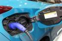 Wyczka i gniazdo ładowania w samochodzie hybrid plug-in