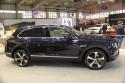 Bentley Bentayga V8, bok