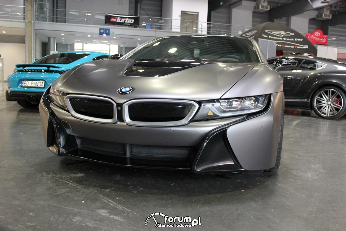 BMW i8, grafitowy mat, przód
