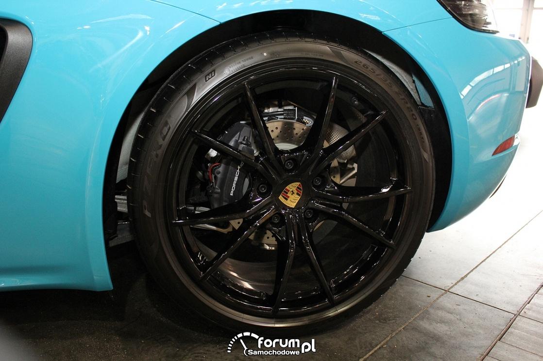 Czarne alufelgi 20 cali, Porsche
