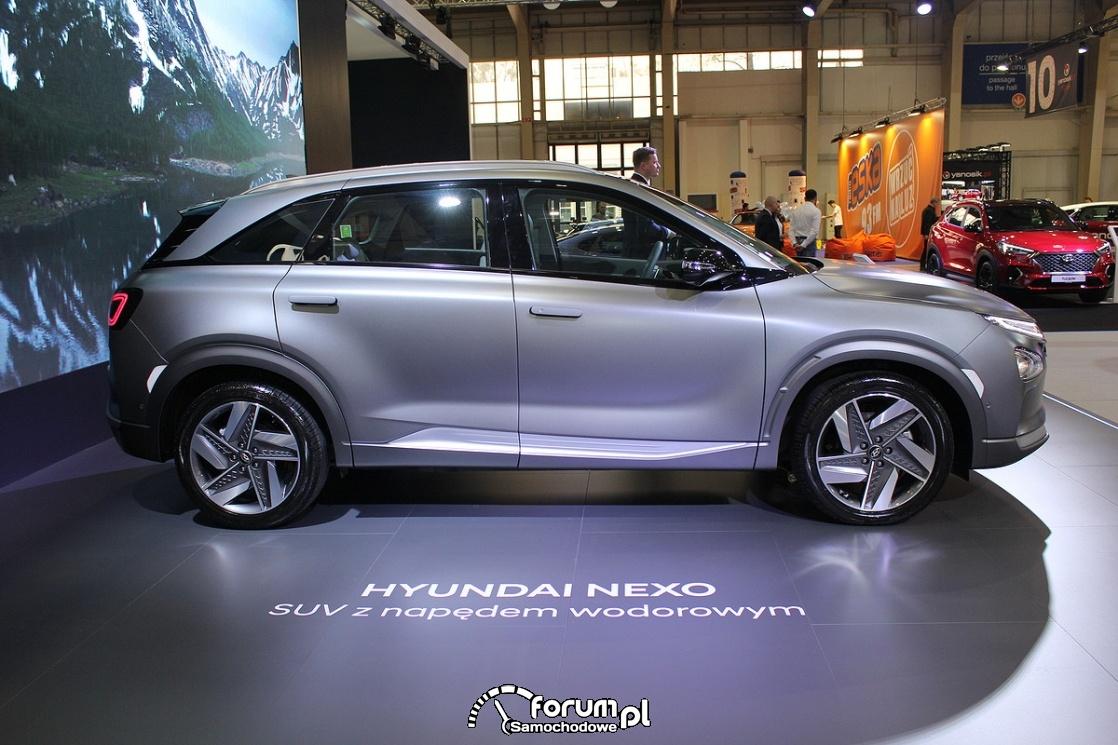 Hyundai Nexo, SUV z napędem wodorowym, bok