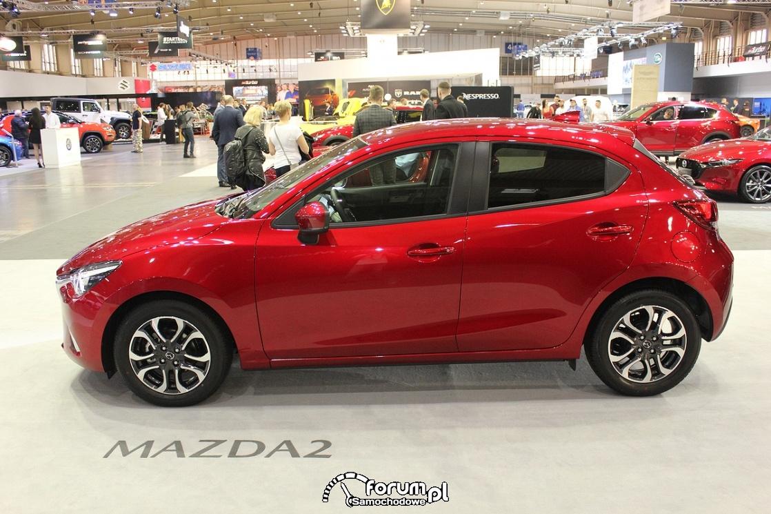 Mazda 2, bok
