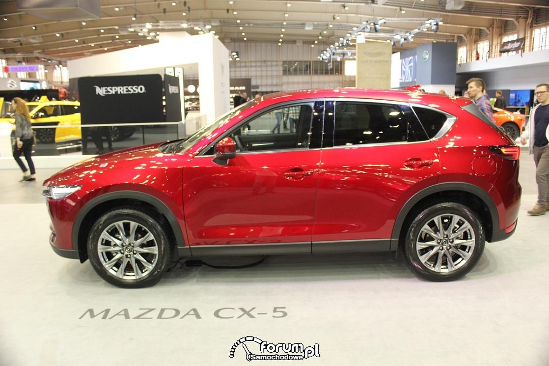 Mazda CX-5, bok