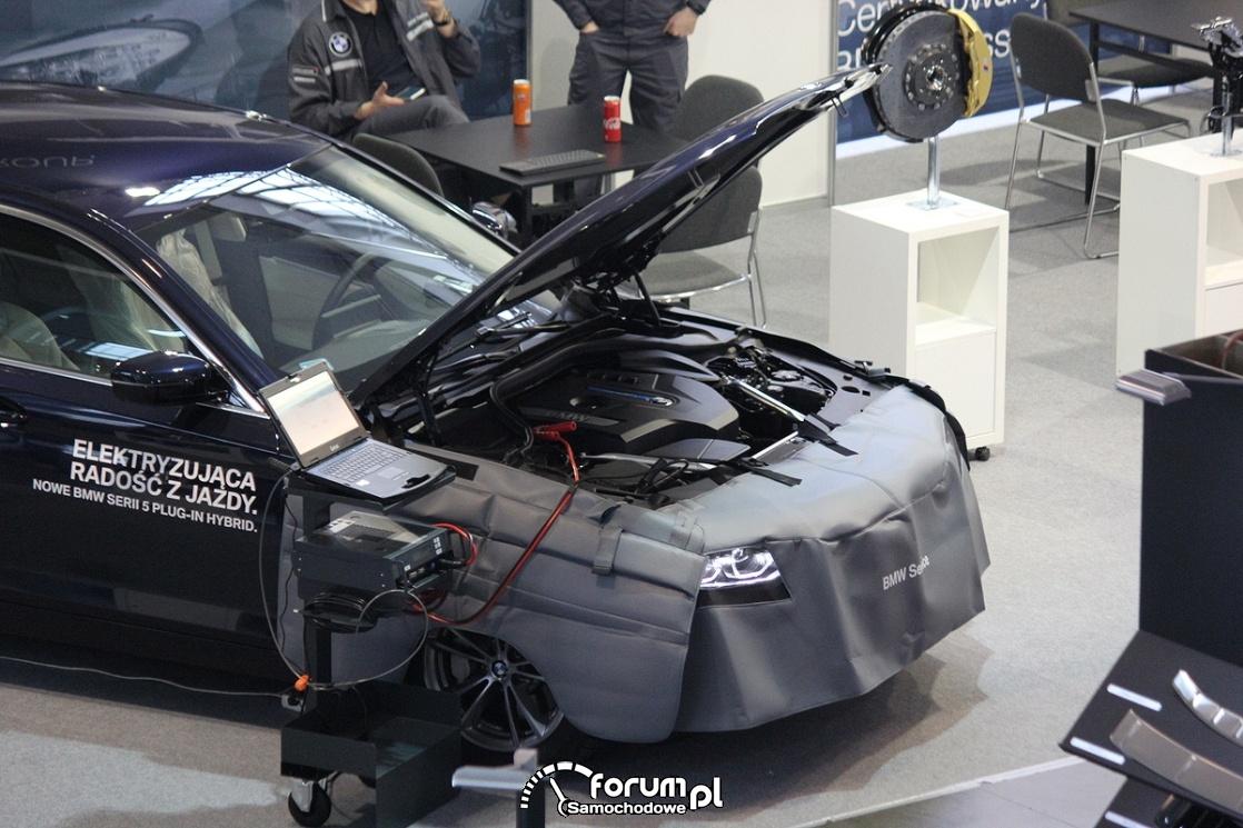 Serwis BMW, osłony samochodu, komputer