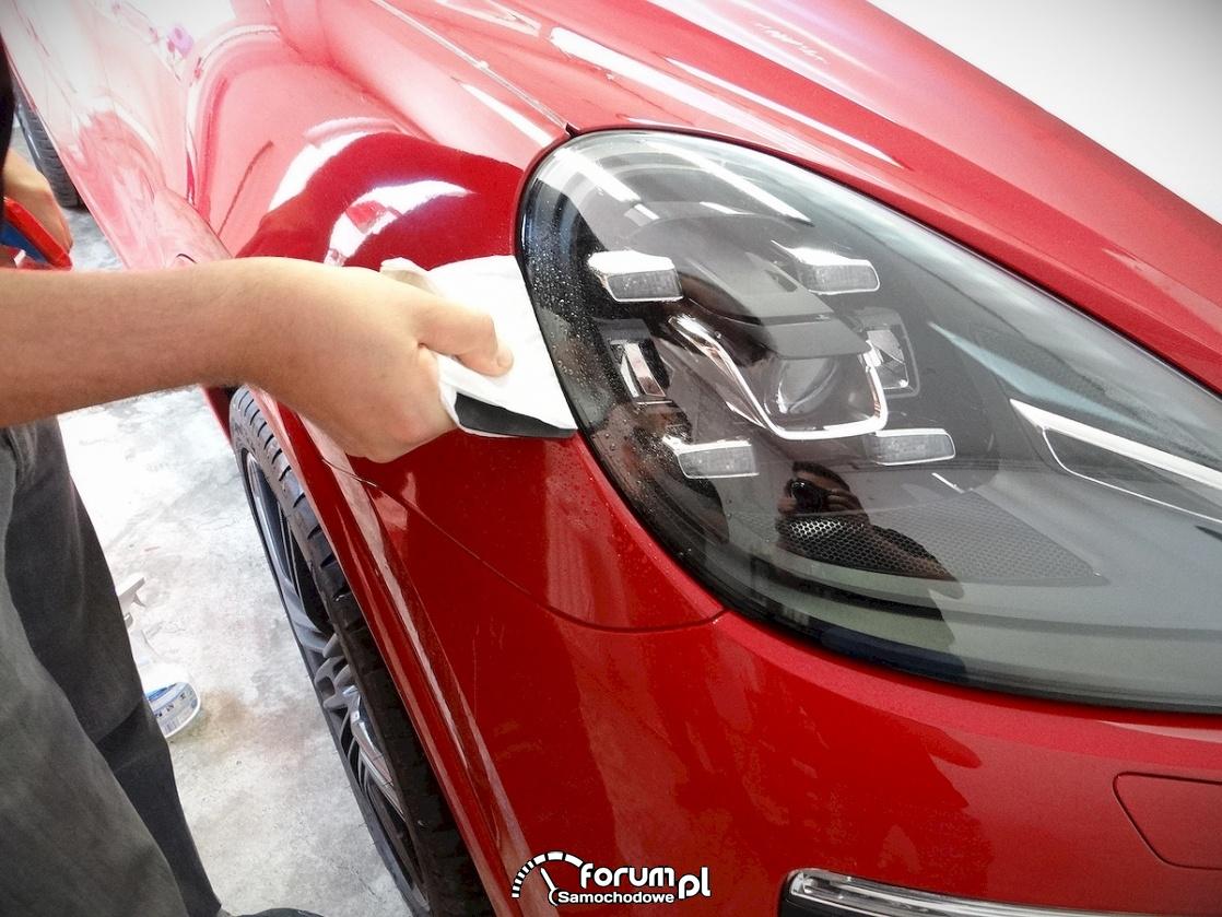 Folia do oklejania samochodu. Czy naprawdę jest skuteczna?