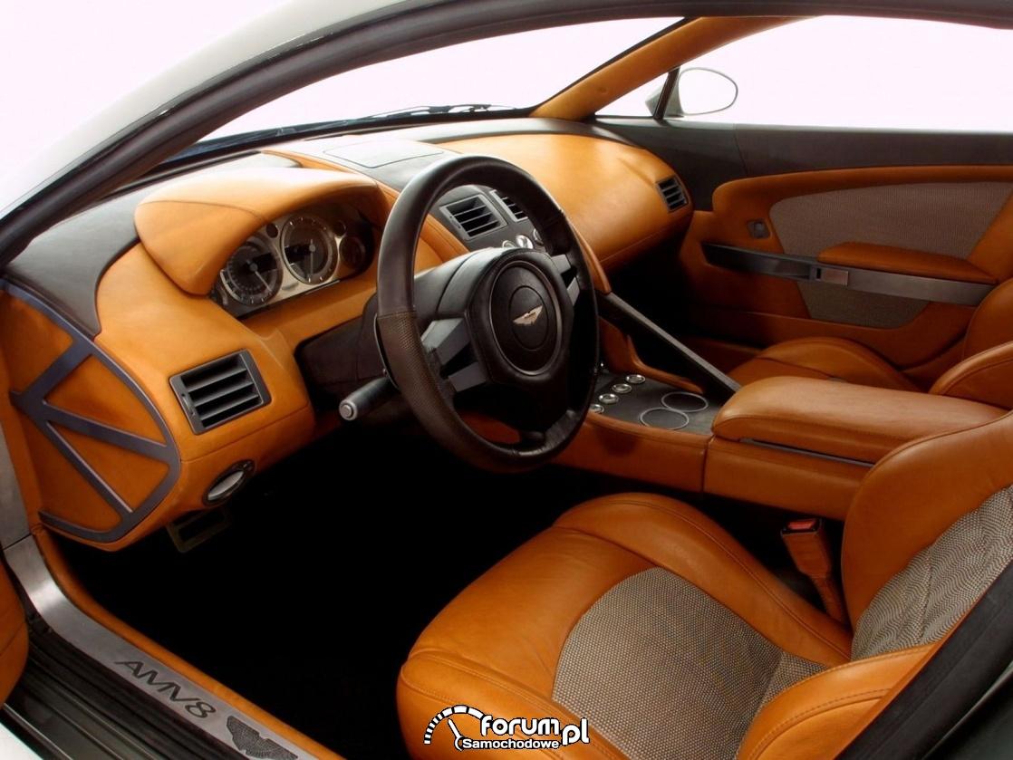 Aston Martin Vantage, wnętrze
