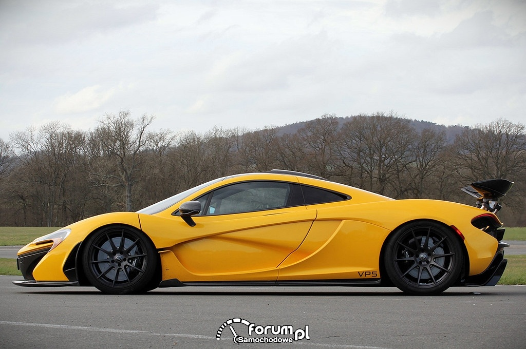 McLaren P1, bok