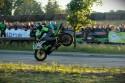 Stunt motocyklowy, jazda na przednim kole