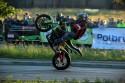 Stunt motocyklowy, na jednym kole