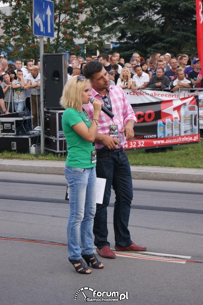 Anita Kozłowska i Patryk Mikiciuk, prowadzący imprezę