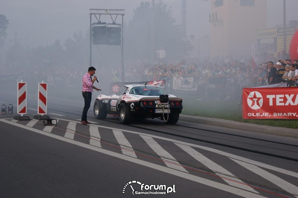 Rozgrzewanie opon, Chevrolet Corvette 4x4 Turbo, 3