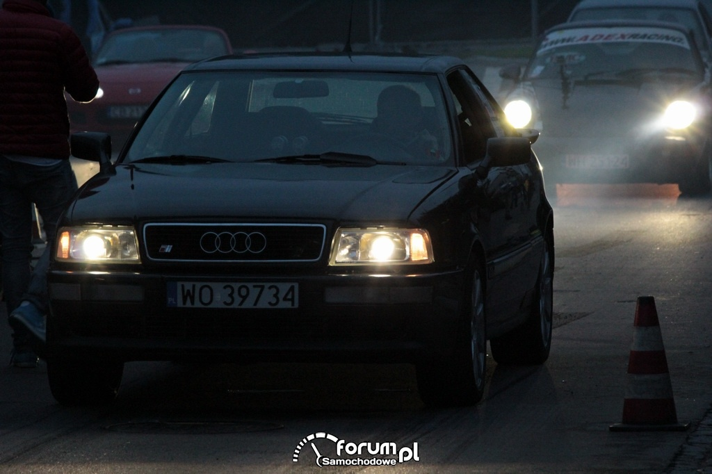 Audi 80 B4 Coupe, oczekuje na start