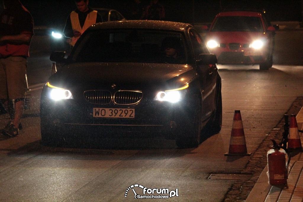 BMW E60 seria 5, oczekiwanie na start