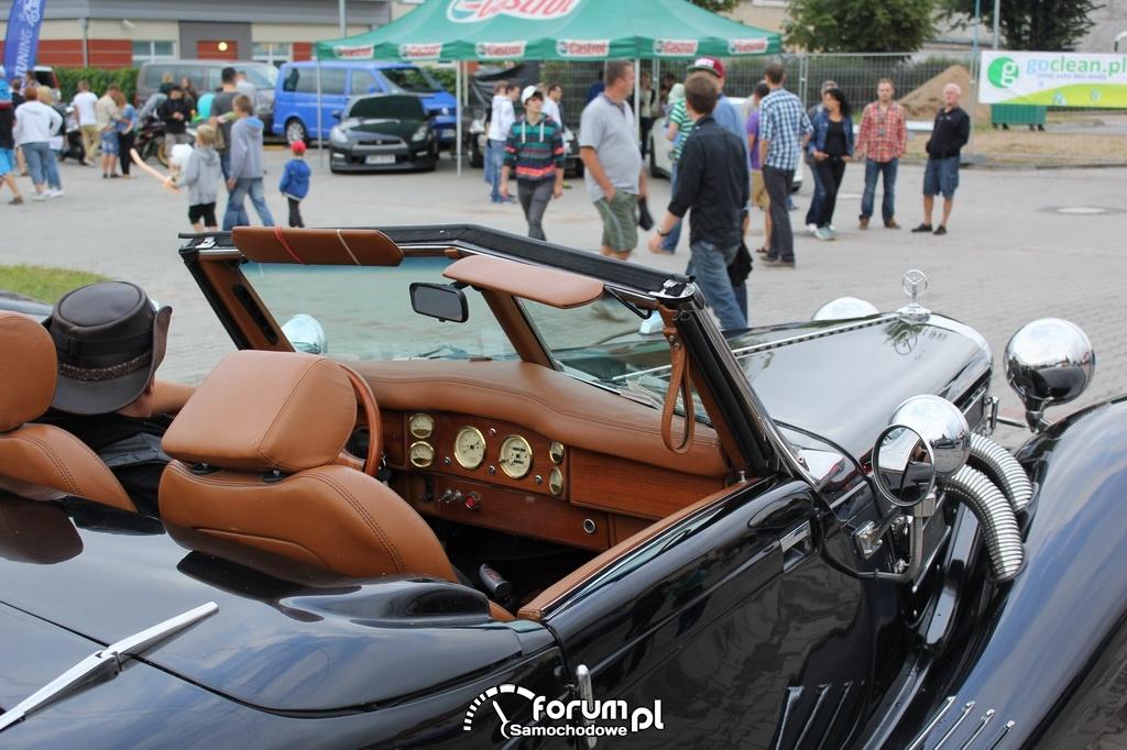 Mercedes-Benz 500 K z 1936 roku, replika ręcznie wykonana, wnętrze