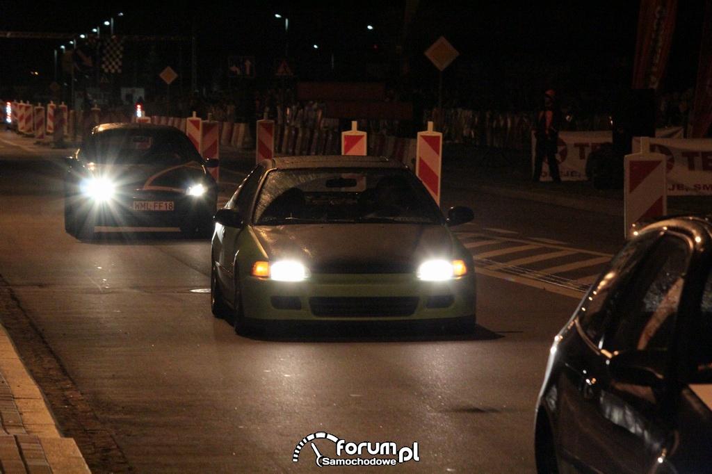Jak jeździć bezpiecznie samochodem w nocy?