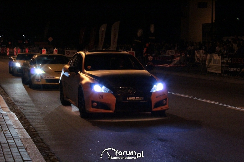 Top Cars na nocnych legalnych wyścigach