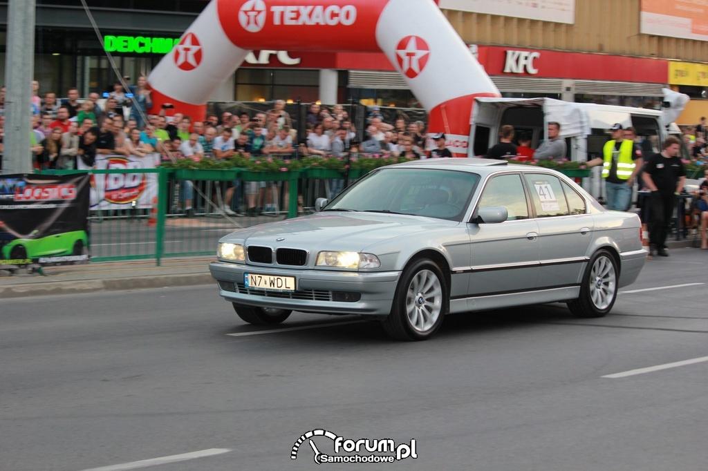 BMW 740 - 286 KM, 400 NM