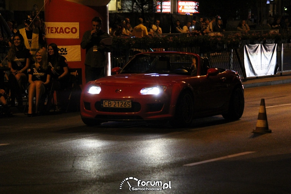 Mazda MX-5 - 390 KM, 500 NM, noc