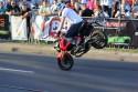 Jazda na motorze przednim kole, pokazy kaskaderskie