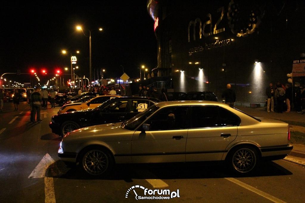 Park Maszyn w nocy