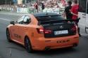 Lexus IS-F w oczekiwaniu na zielone światło