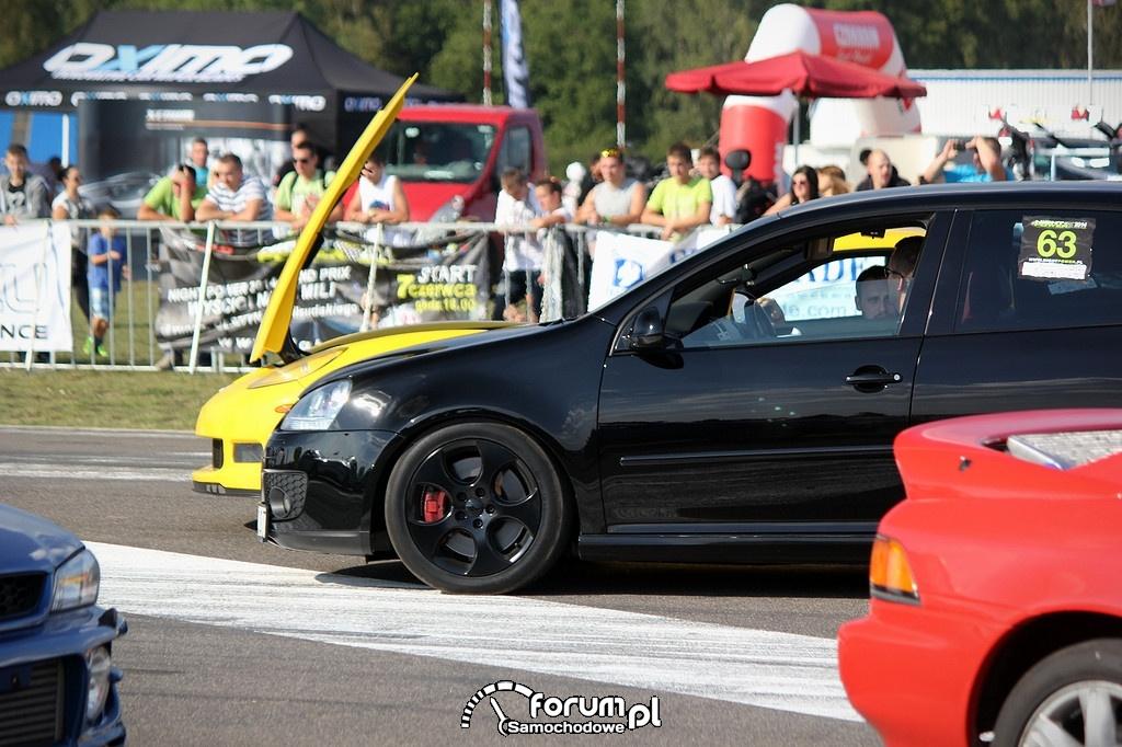 VW Golf i Chevrolet Corvette