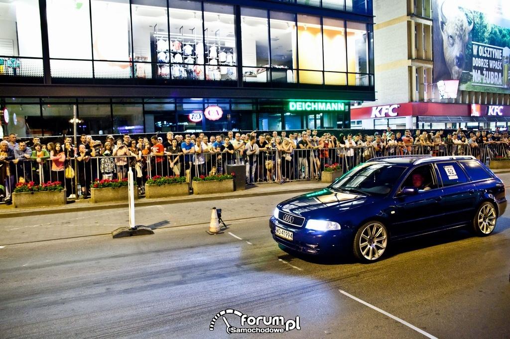 Audi S4 - 343 KM, 512 NM, linia startu