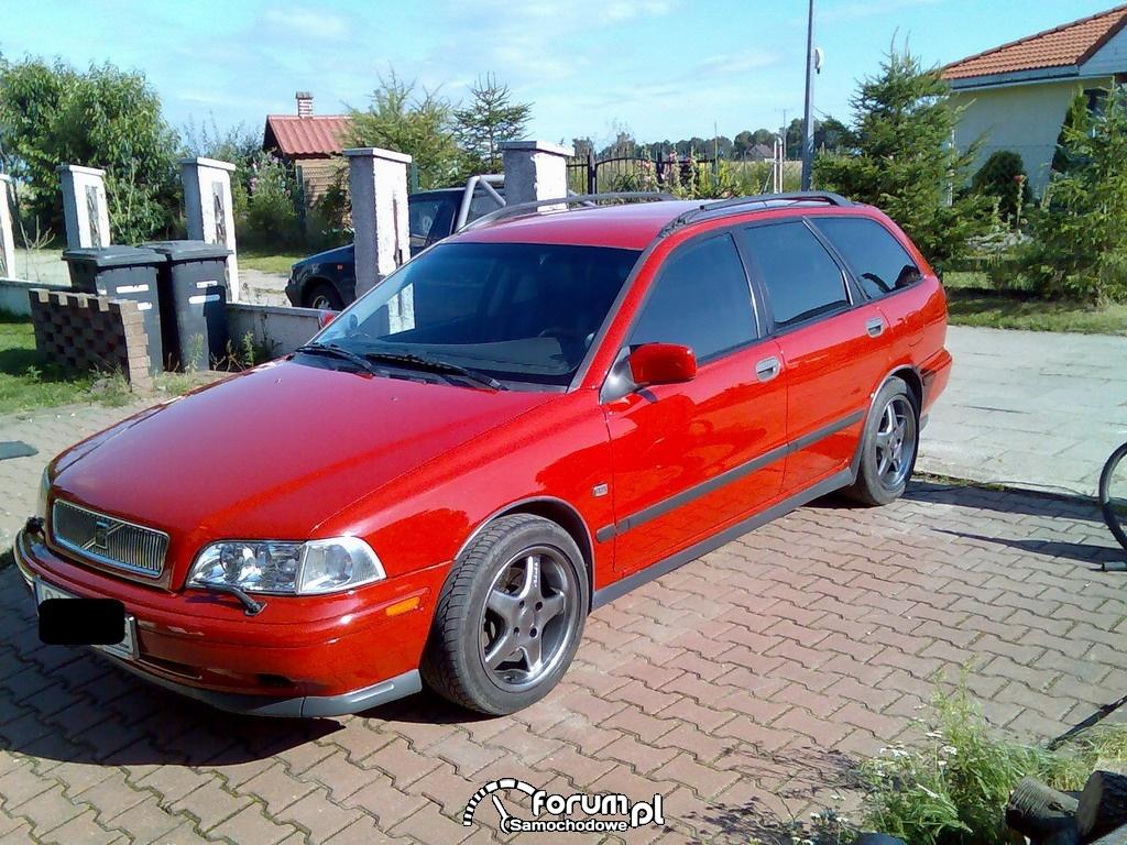 Volvo V40 - 300 KM, 450 NM