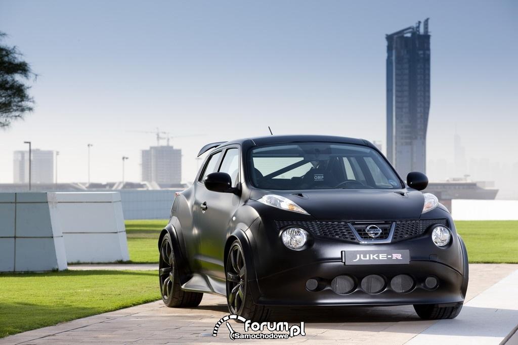 Nissan Juke-R vs supercar Dubai street challenge 2012, 4