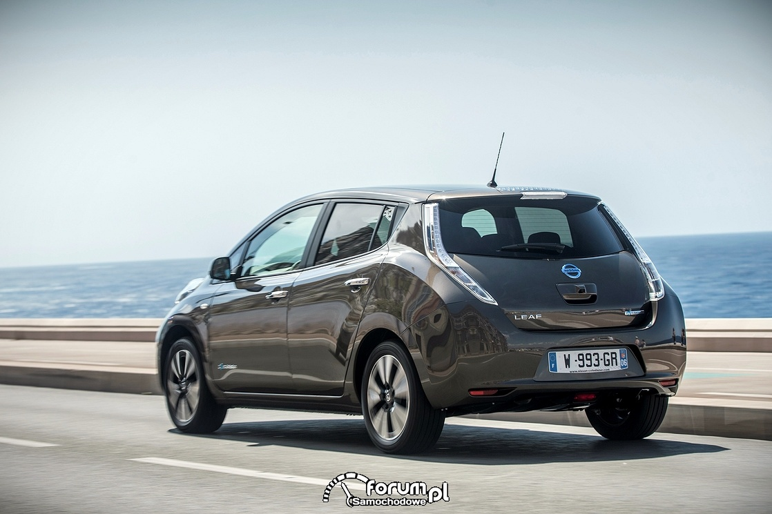 Nissan Leaf 30 kWh, tył, samochód elektryczny