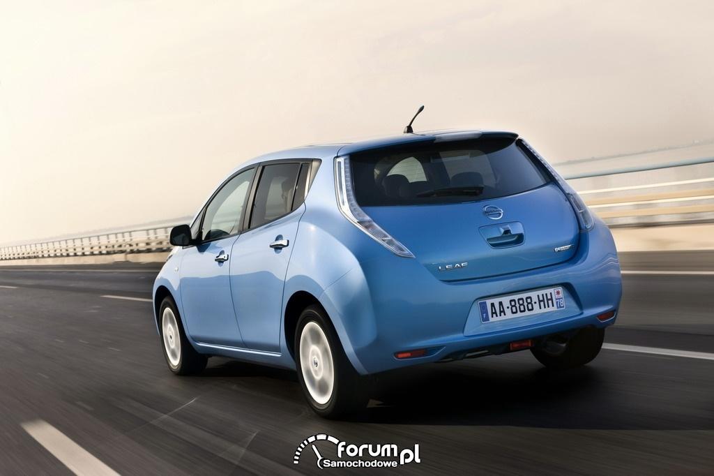 Nissan LEAF - widok z tyłu