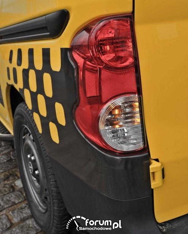 Taksówka Przyszłości Nissan NV200 - Nowy York, tylne światła