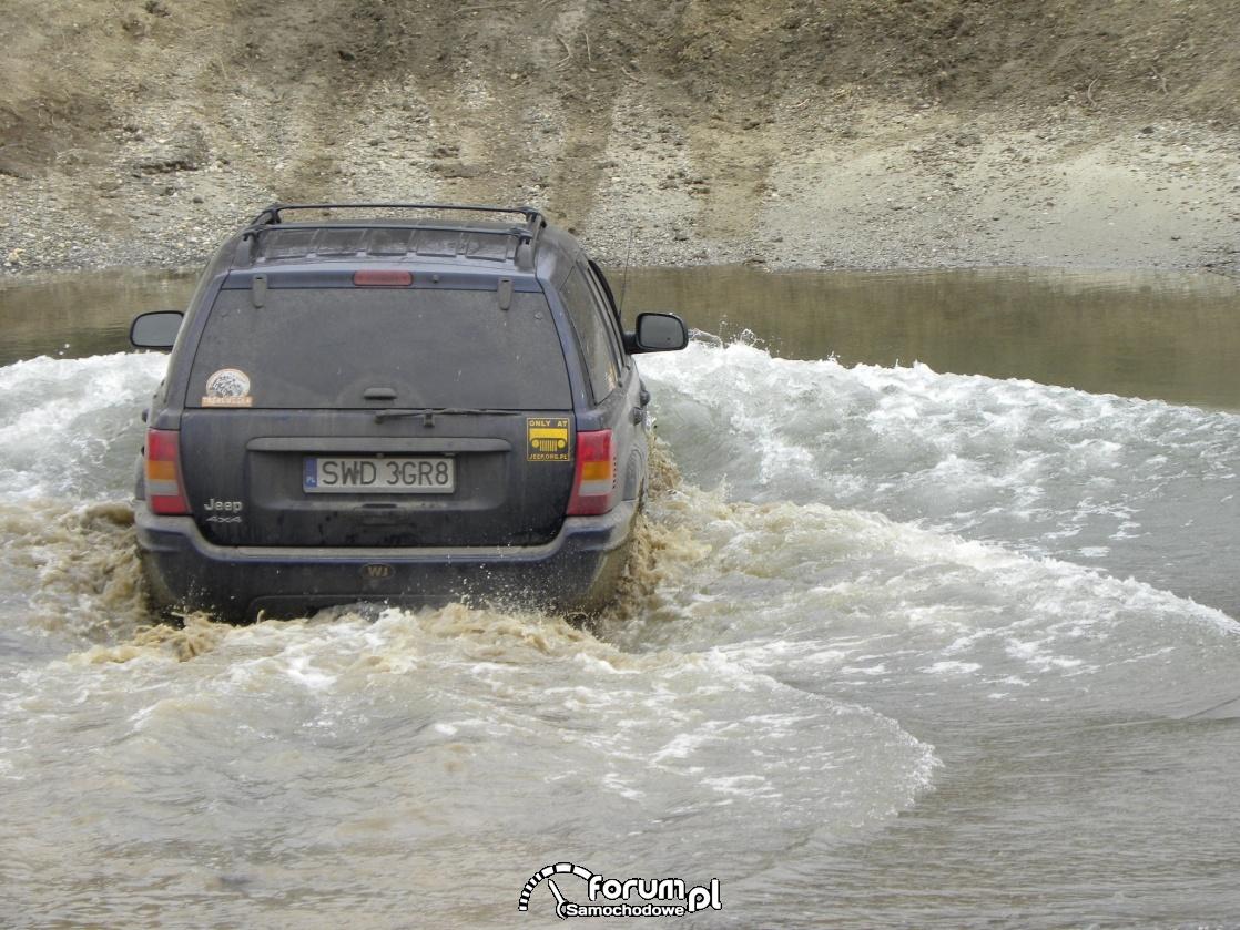 Brodzenie w wodzie, Jeep Grand Cherokee