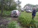 Daihatsu Feroza SX potrzebował trochę pomocy przy wyjeździe z błota