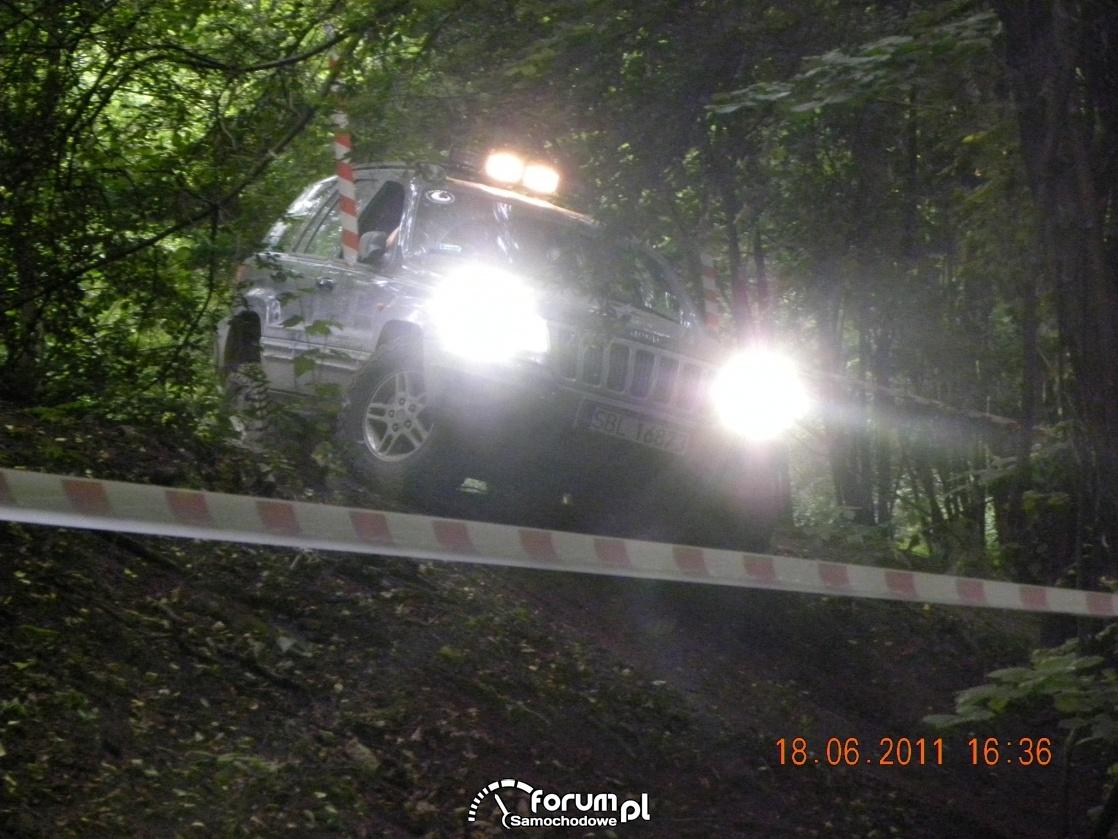 Jeep dobrze świeci :)