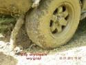 Jeep z wygiętym wydechem